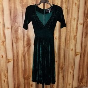 lowest price crazy price fashion styles Collectif x MC Vixen Match Green Velvet Midi Dress NWT